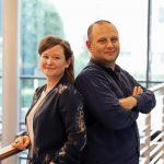 Das Integrationsteam der IHK Flensburg: Catharina Wege und Özgür Yurteri sind für euch da